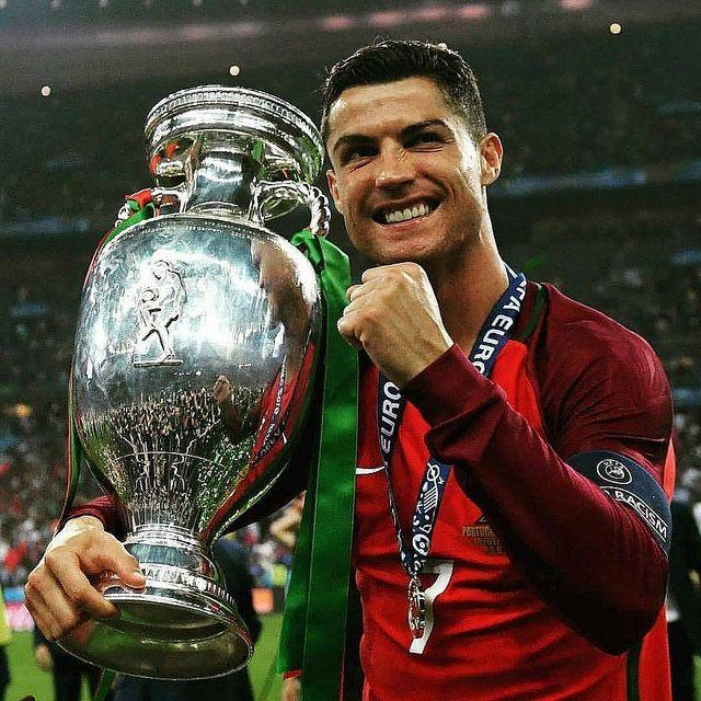 Tarihin En İyi 20 Futbolcusu